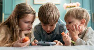drie kinderen op i-pad