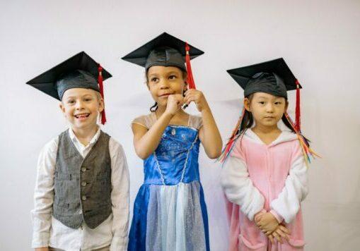 drie kinderen - afgestudeerd